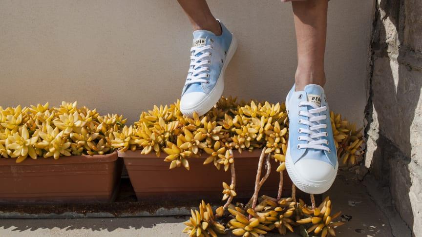 "PRESS RELEASE | ""Batik-Style"": Sneaker der Woche | fair, vegan, nachhaltig | HiRes-Fotos"