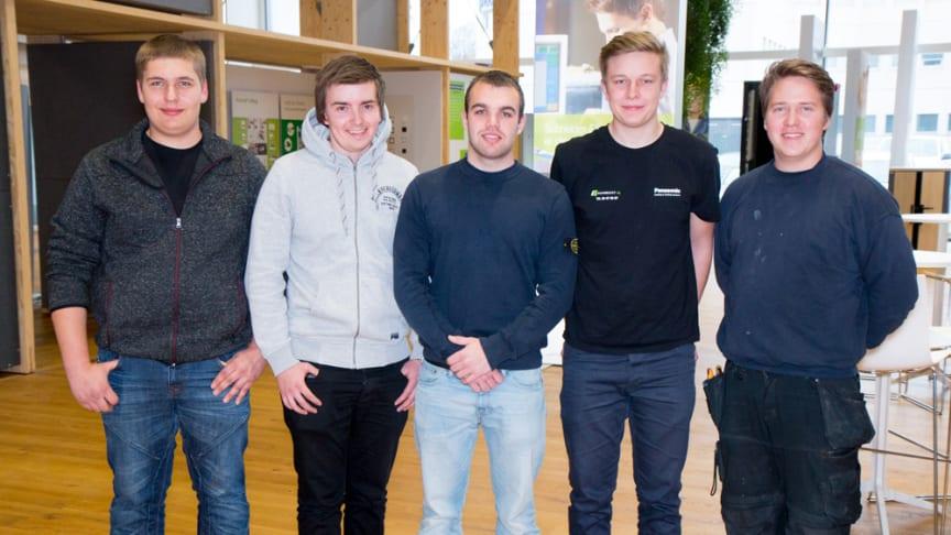 De fem håbefulde elektrikerlærlinge, som skal kæmpe om at blive Danmarks bedste elektrikerlærling.