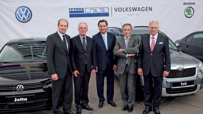 Volkswagen och tecknar avtal om tillverkning i Ryssland