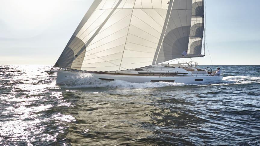 """Navigare Yachting ställer ut en Jeanneau Sun Odyssey 440 - en ny modell från Jeanneau -  som förra veckan vann det prestigefulla priset """"European Yacht of the Year 2018"""" i kategorien """"Family Cruiser""""."""