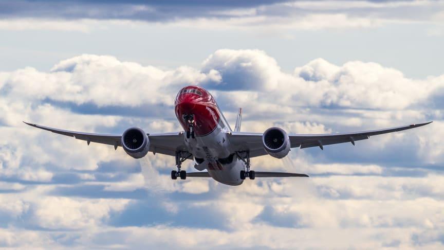 Norwegians første flyvning fra København til Boston er i luften