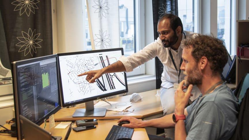 Kedarnath Moparthi, Product Owner and Mattis Gottlow, Data Scientist discuss a simulation scenario