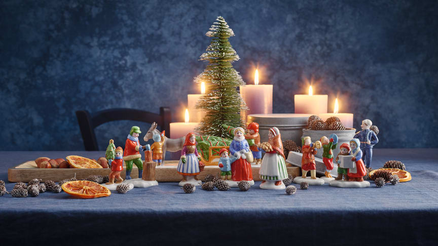 Fine porcelain figures complete the Hutschenreuth Christmas collection 2020.