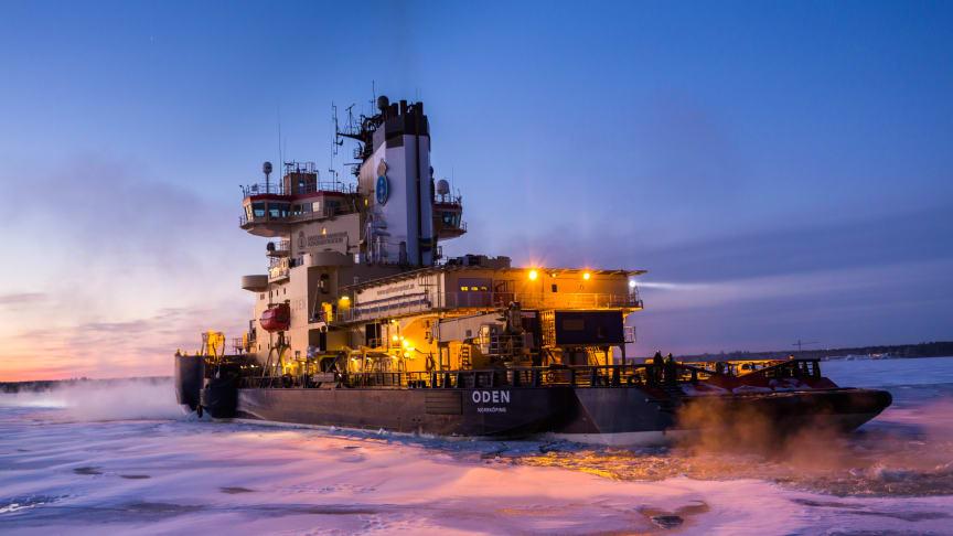 Sjöfartsverkets isbrytare Oden, foto: Lars Lehnert