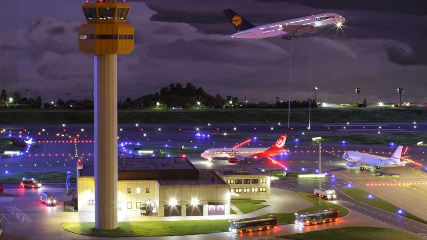 Hamburg: Miniatur Wunderland - Airport by night