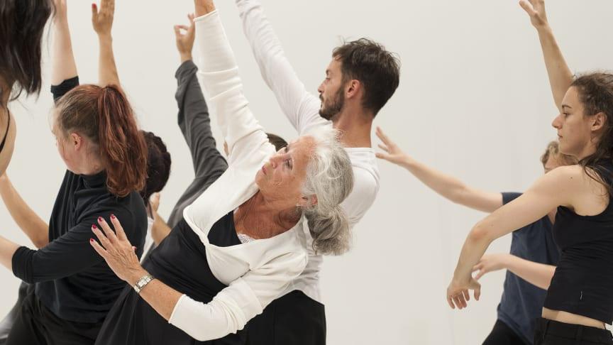 Festivalen Dance & People presenterar föreställningar och två heldagskonferenser 1-6 nov 2018 på Skånes Dansteater.
