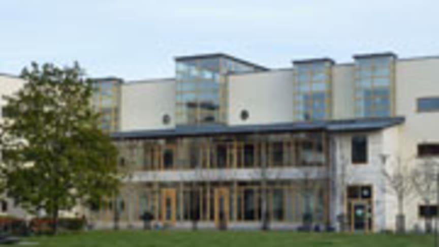 Skolpolitisk talesperson besöker Lidmanska gymnasiet