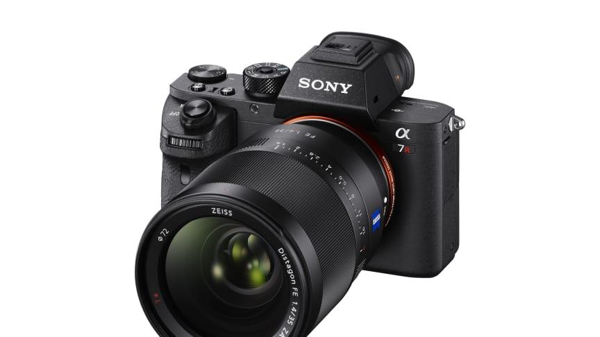 Det nye a7R II fra Sony med verdens første bagbelyste 35mm full-frame-sensor