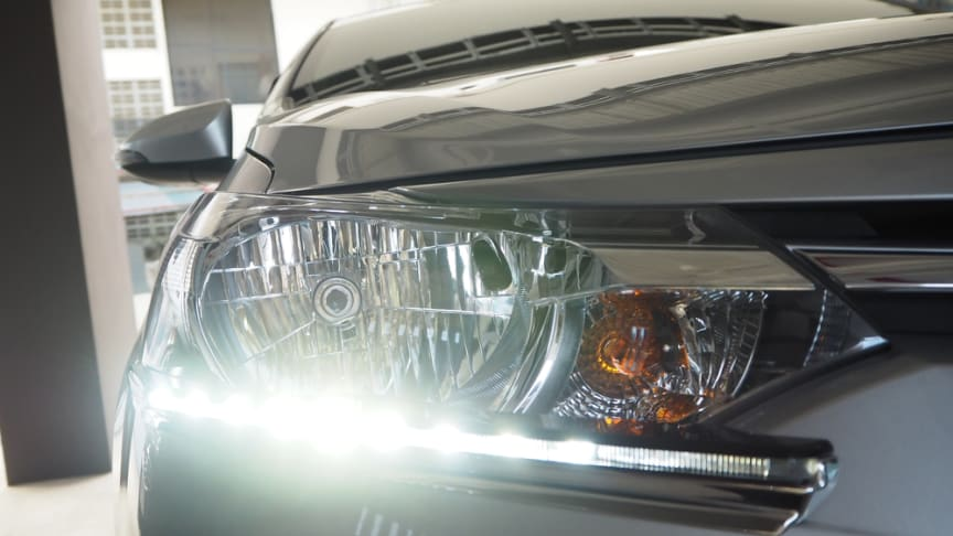 Daytime running lights on newer vehicles causing confusion for other road users