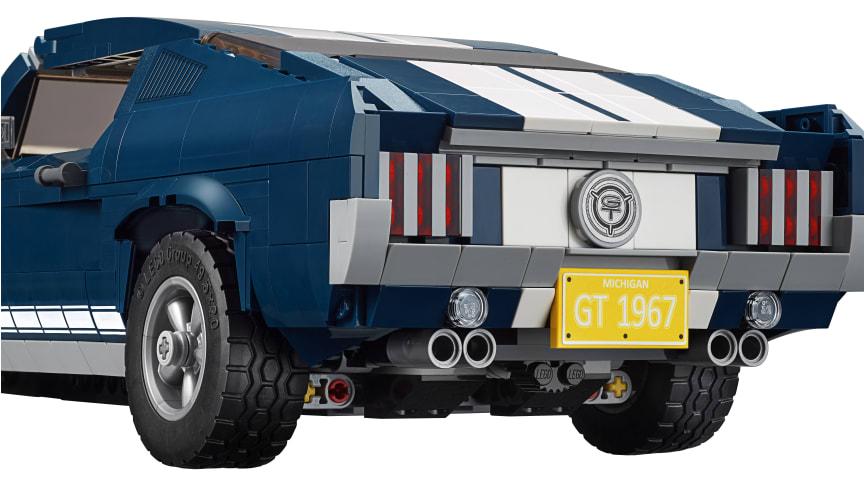 Den legendariska Ford Mustang Fastback anno 1967 kommer snart till nytt liv i form av legobitar.