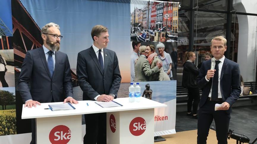Ole Birk Olesen, transportminister, Henrik Fritzon regionstyrelsens ordförande och Linus Eriksson, trafikdirektör Skånetrafiken