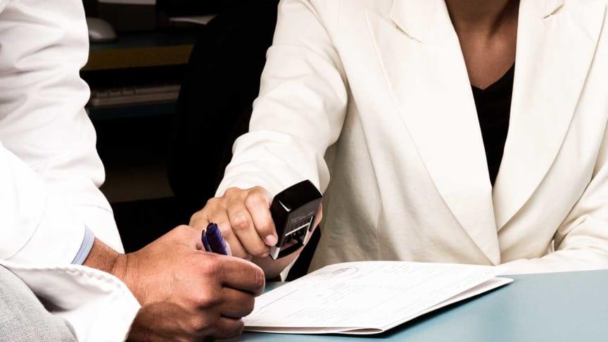 Försäkringskassan har tagit fram en blanketten som läkarna använder vid sjukskrivning tillsammans med Socialstyrelsen och hälso- och sjukvården. Foto: endostock (AdobeStock.com)