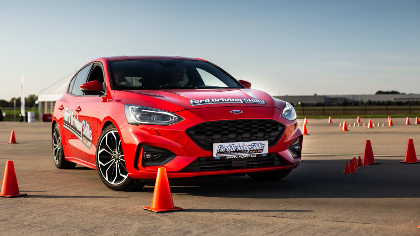 """Projekt """"Ford Driving Skills for Life"""" se po úspěšné loňské premiéře vrací do České republiky"""