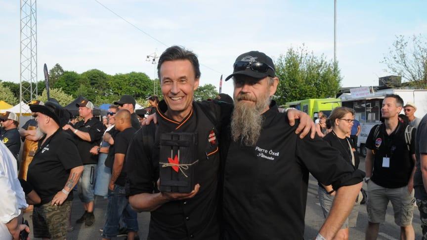 Jonas Borssén och Pierre Öxell från Barbecue Blues Team. Foto: Göran Hultgren
