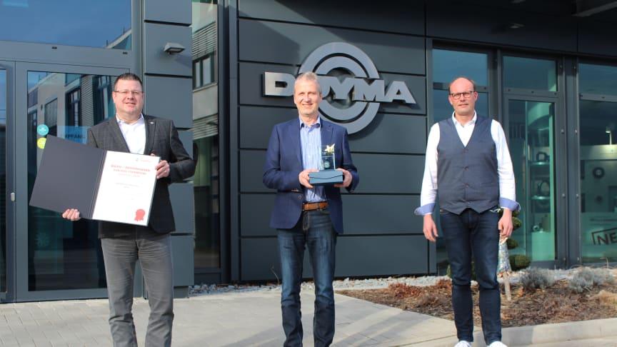 Übergabe des hagebau Champions Award 2020 bei DOYMA in Oyten: (v.l.n.r) Markus Hirsch, Vertriebsleitung, Frank Erdt, Geschäftsleitung Vertrieb, Frank Große von der hagebau Handelsgesellschaft für Baustoffe mbH & Co. KG