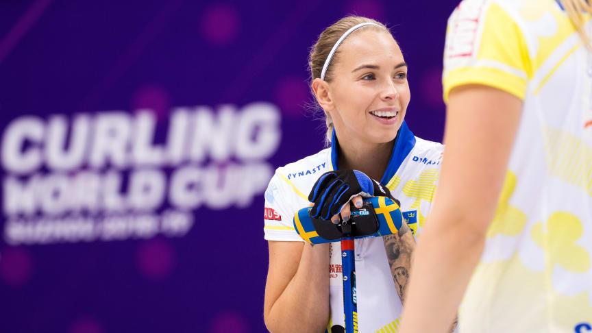 Den 30 januari - 3 februari arrangerades Curling World Cup i Jönköping. Här samlades världseliten i curling, bland andra de svenska lagen Team Edin och Team Hasselborg.