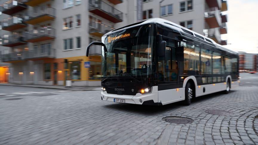 Die neue Busgeneration von Scania spart direkt auf mehreren Wegen Kraftstoff, da sowohl das Fahrgestell als auch der Aufbau deutlich leichter ausgelegt sind als zuvor.