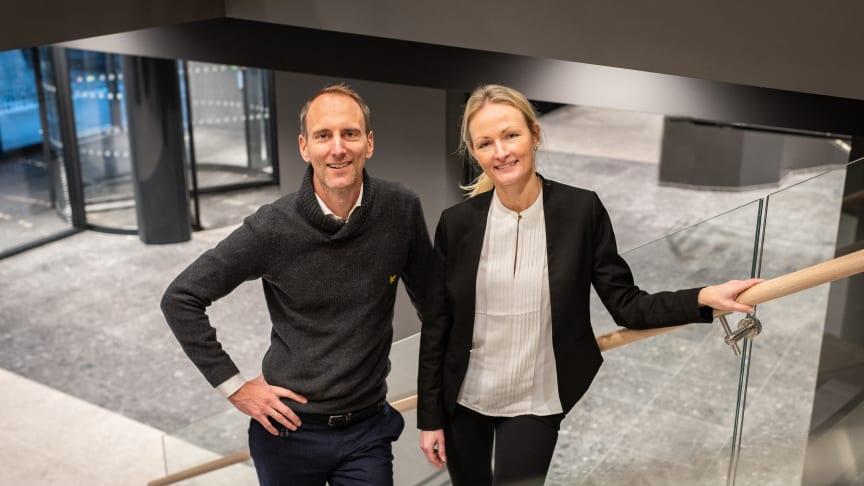 På befaring i Karvesvingen 5 – forretningsutvikler Jørgen C. Flaa og utleiesjef Cecilie Bruusgaard i Höegh Eiendom