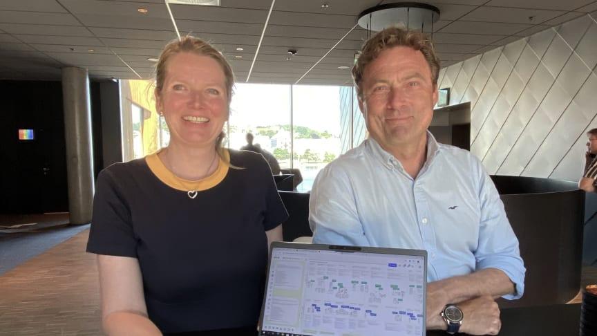 Beate Lofseik og Per Olaf Skogshagen gleder seg til Husbanken og KS kan tilby kommunene et topp moderne digitalt system til boligarbeidet.