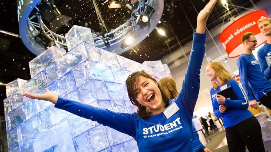- Det är viktigt att ha kul och njuta av studentlivet, tycker Jonna Nilsson och Maja Bellman.