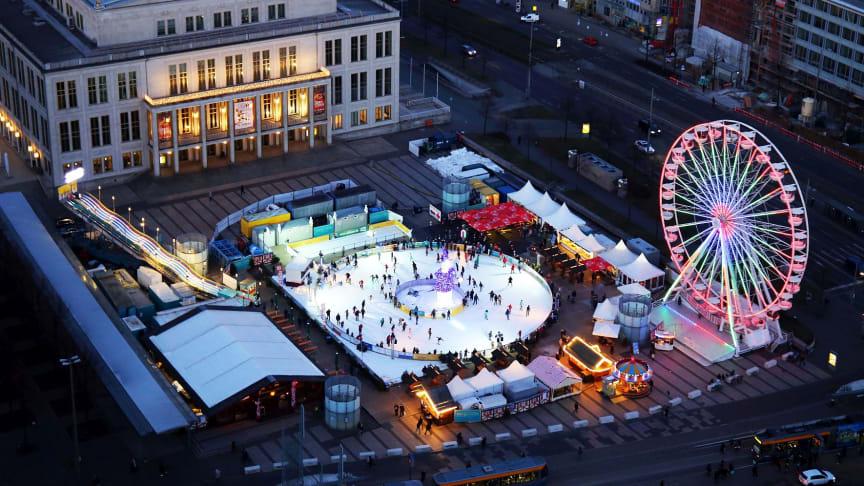 Leipziger Eistraum - Blick auf die größte runde Eisbahn Deutschlands - Foto: Andreas Schmidt