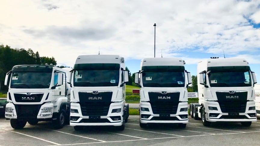 De første lastebilene er ankommet Norge