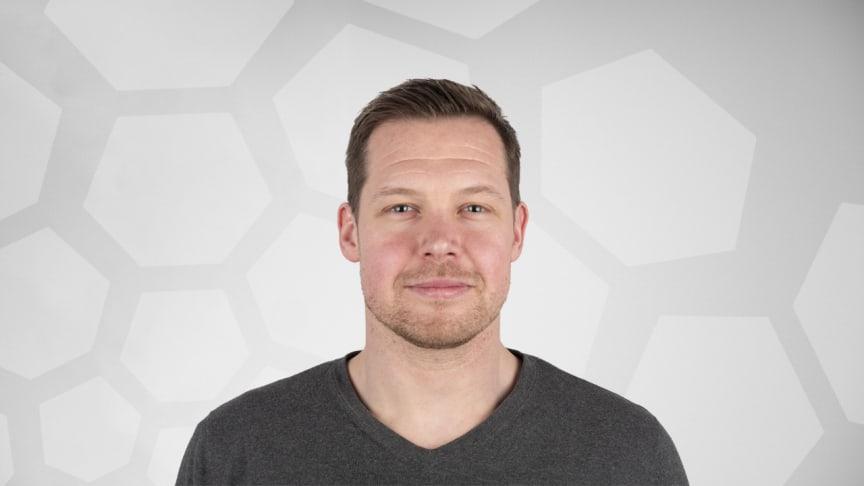 Fredrik Rasmusson kommer arbeta på stockholmskontoret och blir en bra förstärkning till företagets kunder och kollegor. Han har en bred kunskap inom AV-produkter, försäljning och är väldigt produktinriktad.
