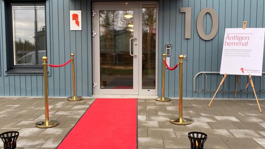 Röda mattan utrullad för alla nyinflyttade!