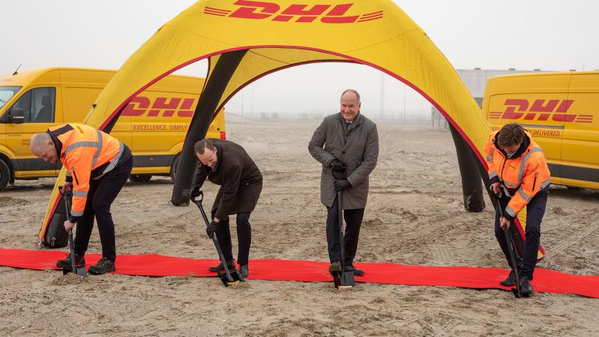 På billedet ses fra venstre: Atli Einarsson, adm. direktør i DHL Express, Allan S Andersen, borgmester i Tårnby kommune, Thomas Woldbye, adm. direktør i Københavns Lufthavne og Steven Atli, adm. direktør i DHL Aviation