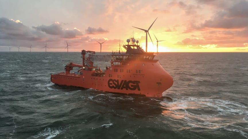 Equinor og ESVAGT har valgt at forlænge det gode samarbejde med skibet 'Esvagt Njord' i Dudgeon Offshore Wind Farm med 5 år. Den nye kontrakt løber frem til 2026.
