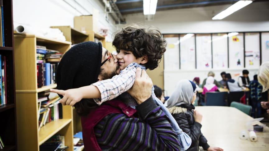 Rädda Barnen Dokumentär lanserar ny podd:  Om Sveriges migrationspolitik och familjer som splittras