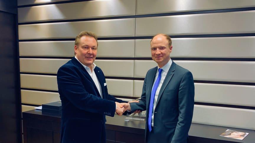 Freuen sich auf die zukünftige Zusammenarbeit: Wilhelm Rüschenbeck und Simon Schön.