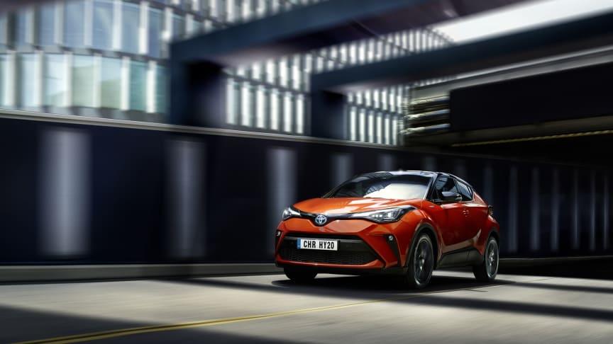 Nye Toyota C-HR Hybrid: Nå er prisene klare for crossoveren. Foto: Toyota.