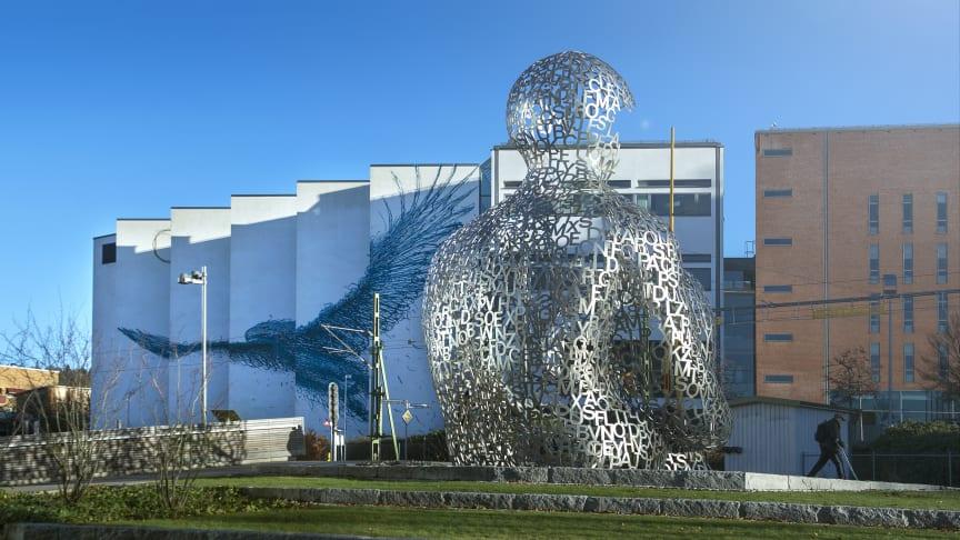 Ny satsning på konst när biblioteksväggen vid Högskolan i Borås rustas upp