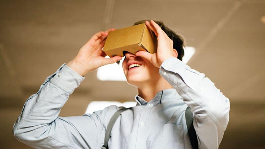 Virtual Reality egner sig godt inden for mange stofområder, men teknikken kan også spænde ben og skabe frafald blandt eleverne, lyder konklusionerne i ny evaluering.