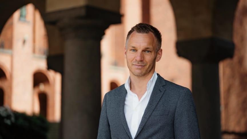 Erik Slottner (KD) är äldreborgarråd i Stockholms stad. Foto: William Persson