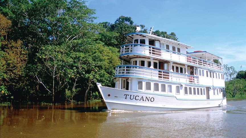 Flodkryssning på Amazonas