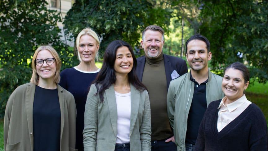 Nya Kompisbyrån styrelse. Från vänster Emma Idestrand, Emilia Molin, Emma Hammar, Martin Rahm Hörnqvist, Mardin Baban (verksamhetschef) samt Suzan Hourieh Lindberg (Foto: Matilda Hardmeier)