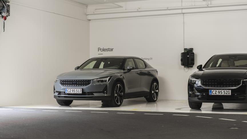 De første kunder i Danmark er nu startet prøvekørsel af Polestar 2
