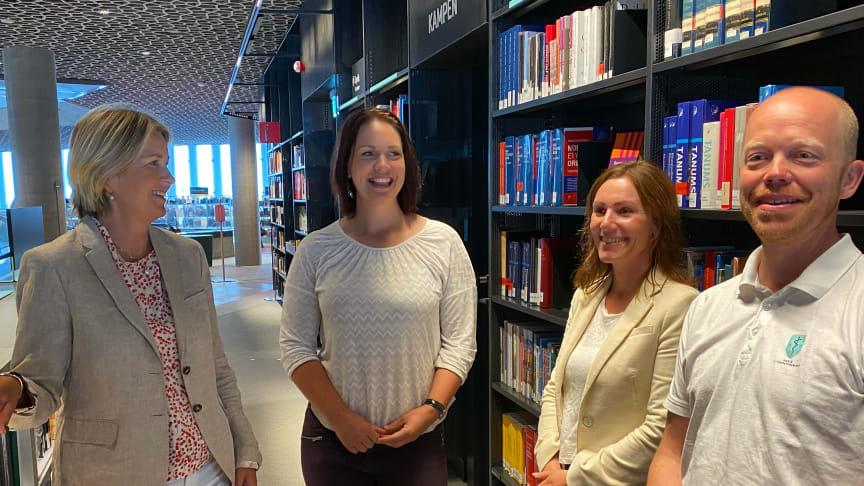 God stemning mellom Kristin Vinje (tidligere Dekan Høyskolen Kristiania), Åshild Bruun-Gundersen (FRP), Mariann Fuglerud (NNF) og Tomas Collin (NOF).