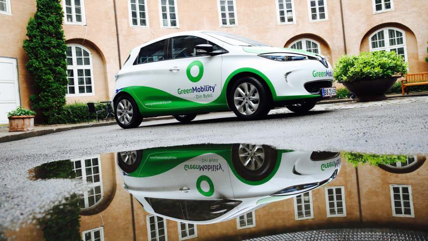 Renault har nu næste 50 procent af elbils markedet i Danmark. Blandt køberne er delebilsordninger som københavnske Green Mobility og Jyske TADAA!
