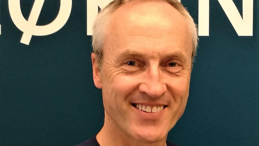Veternær Sigbjørn Storli, spesialist i odontologi ved Evidensia Lørenskog Dyreklinikk