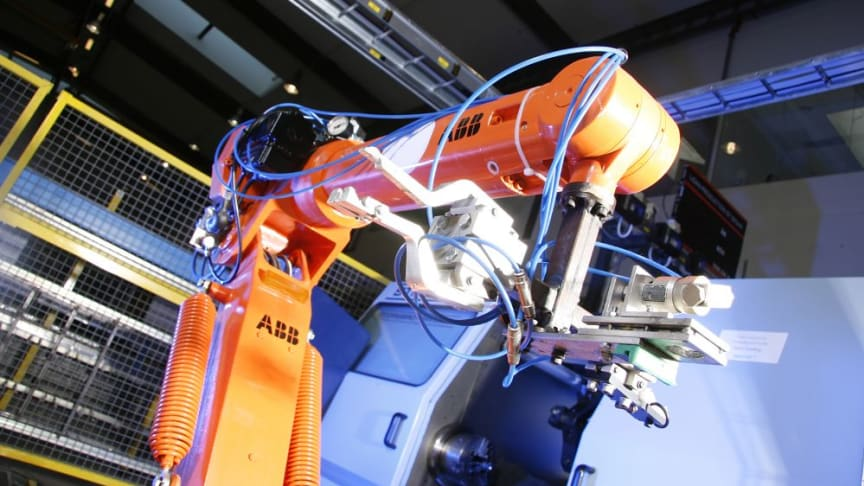 Digitalisering, automatisering och robotisering i industrin kräver nya kunskaper.