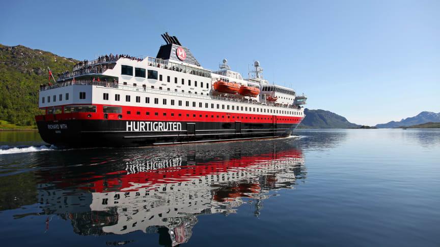 Photo: Hurtigruten Norway