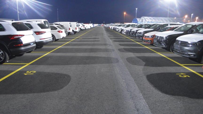 Hallandshamnar Halmstad Hamn miljösatsar med LED mastbelysning på biluppställningsyta