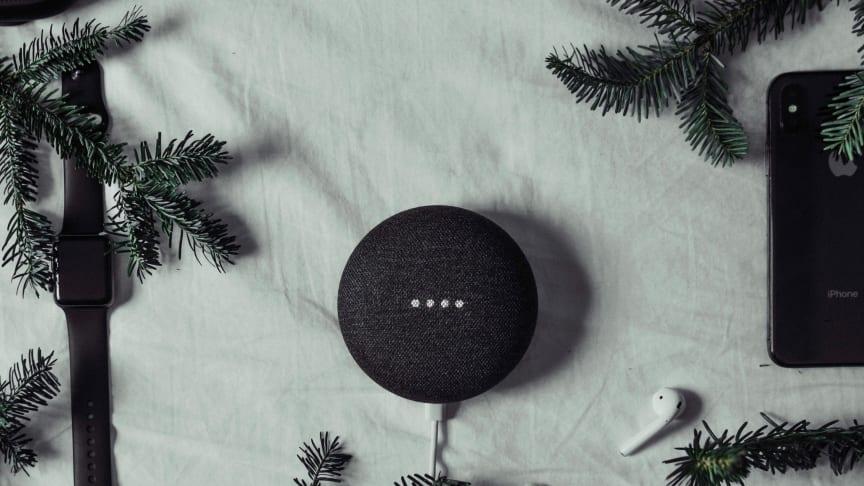 Populære julegaver: Elektronikk og teknologi troner høyt på ønskelistene også i år. Foto: Unsplash.com