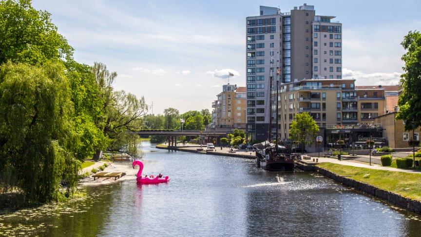 I kampanjen 48 timmar hos grannen marknadsförs bland annat upplevelser längs Kinda kanal i samband med kanalens 150-årsjubileum. Foto: Visit Linköping