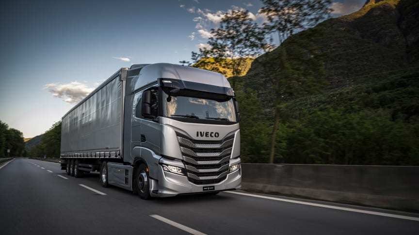 Nya IVECO S-Way: den 100 % uppkopplade lastbilen lyfter förarhänsyn och affärsproduktivitet till nästa nivå