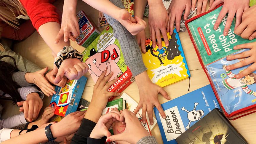 Återbruksmaterial och böcker får nytt liv via skolor och förskolor i Nacka
