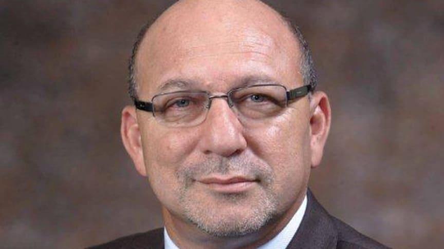 Trevor Manuel joins prestigious speaker line-up at the 2014 Discovery Leadership Summit